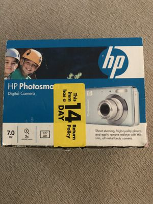 HP Photosmart 7.0 MP digital camera with accessories for Sale in Brentwood, CA