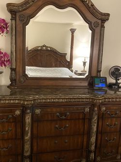 Bedroom Set, KING size, marble top, with Matrass! for Sale in Tacoma,  WA