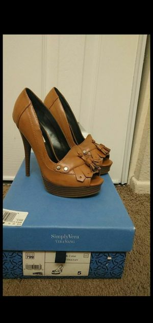 Womans new High heels size 5 Simply Vera Wang for Sale in Riverside, CA