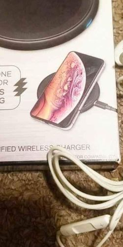 Iphone Earphones & Qi Charge Pad for Sale in Fairmont,  WV