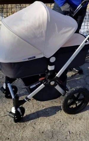 Bogaboo cameleon stroller and car seat for Sale in Downers Grove, IL