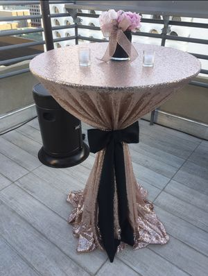 """Rose Gold Sequin Linens -5 of 132"""" Round and 1 -108"""" Round for Sale in Phoenix, AZ"""