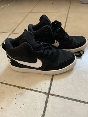 Nike shoes (size 5.5) for Sale in Los Angeles, CA