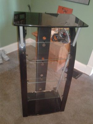 2 5 Shelf entertainment stands for Sale in Cleveland, OH