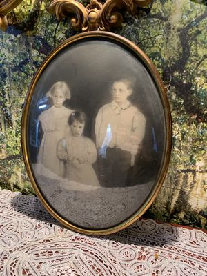 Antique portraits for Sale in West Covina, CA