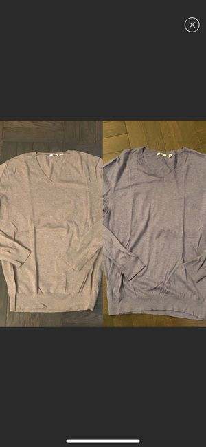 2 Men's Uniqlo cashmere v-neck sweaters like NEW! for Sale in New York, NY