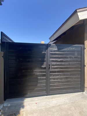 Side double gates/iron works for Sale in Anaheim, CA