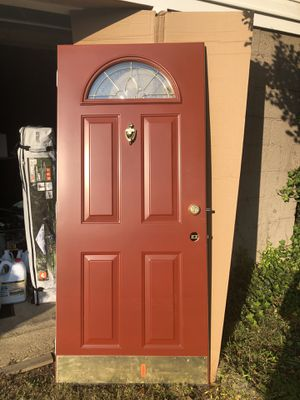 Beautiful red door for Sale in Woodbridge Township, NJ
