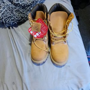 High Top Tens Brand New And Great Condition for Sale in East Hartford, CT