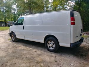 2005 Chevy express in excellent condition 120k on new motor for Sale in Woodbridge, VA