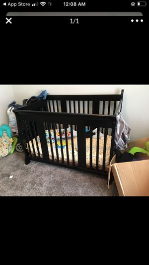 2 in 1 Baby crib and toddler bed as well for Sale in Goodlettsville, TN