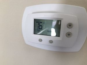 Honeywell thermostat for Sale in Cypress, CA