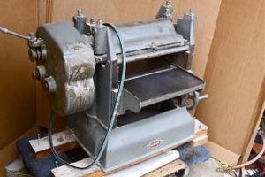 Parks HEAVY DUTY Woodworking Planer for Sale in Tacoma, WA