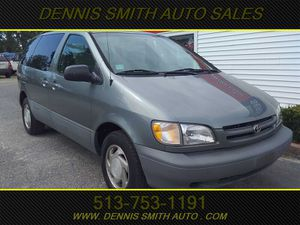 1998 Toyota Sienna for Sale in Amelia, OH