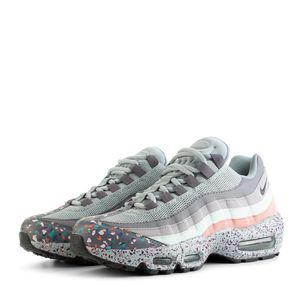 Nike Air Max 95 SE for Sale in Arlington, VA