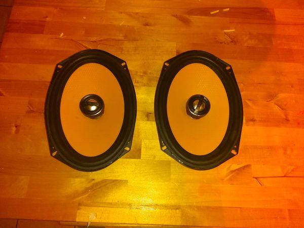 JL Audio car speakers (Message for video of sound.) (Mande mensaje para video de sonido)