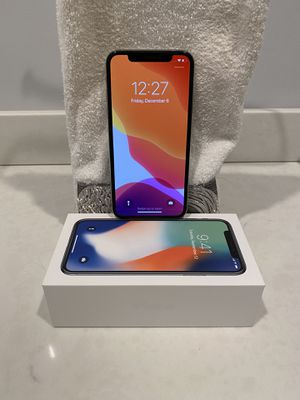 iPhone X 256gb silver white unlocked for Sale in Bethpage, NY