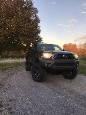 2013 Regular Cab Lifted Toyota Tacoma for Sale in Sevierville, TN