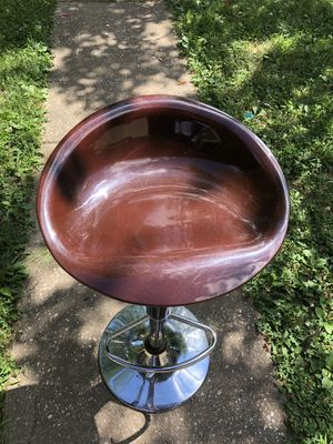4 Maroon Kitchen/Bar stools for Sale in Hazelwood, MO