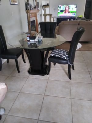 Black an glass kitchen table for Sale in Casselberry, FL