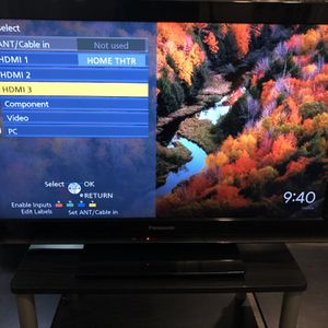 Panasonic Vierra 32 inch LCD TV & Chromecast with free TV stand for Sale in Dallas, TX