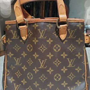 Authentuc Louis Vuitton Purse for Sale in Salinas, CA