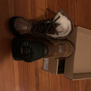 10c Ugg Snow Boots for Sale in Boston, MA