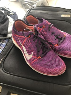 Gently Used Women's Nike Free TR Flyknit Shoes for Sale in Lexington, KY
