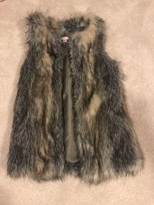 Fashion women's XS Faux fur vest for Sale in Rochester, MI