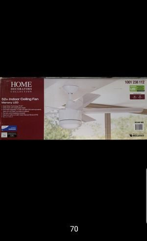 52 inches indoor ceiling fan with LED lights and remote control for Sale in Bakersfield, CA