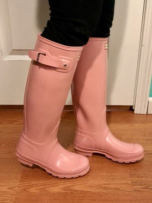 Hunter size 5 Pink boots new for Sale in Houston, TX