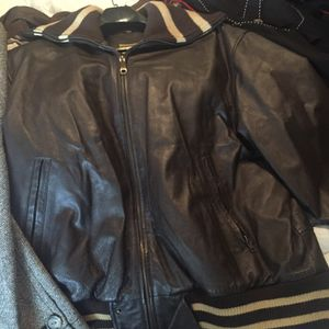 Men's leather Jacket for Sale in Cleveland, OH