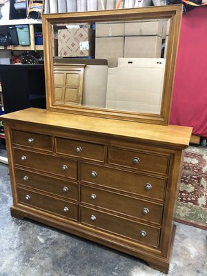 Solid Wood 9 drawer dresser with mirror for Sale in Oakland Park, FL