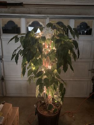 6ft decor tree for Sale in Ontario, CA