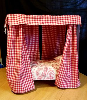American Girl Doll Felicity's Canopy Bed for Sale in Richmond, VA