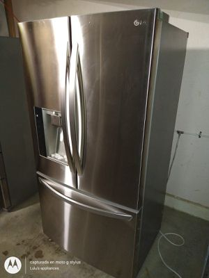 Refrigerator lg for Sale in Riverside, CA
