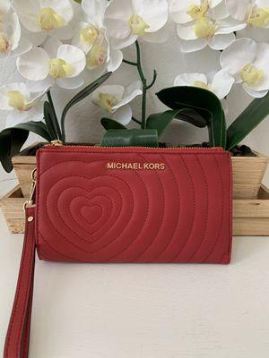 Michael Kors Giftables Double Zip Wristlet for Sale in Arlington, TX