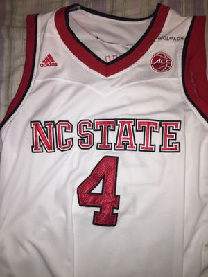 Adidas NC state Dennis Smith Jr Jersey for Sale in Falls Church, VA