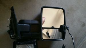 2015 Chevy 2500 sliding mirror (passenger) for Sale in Bakersfield, CA