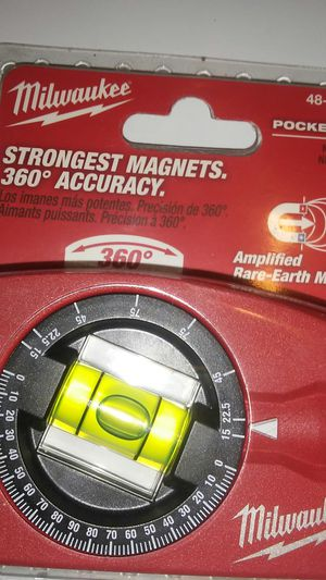 MILWAUKEE POCKET LEVEL EARTH MAGNET for Sale in El Monte, CA