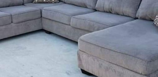 Grey Three Piece Sectional Couch Delivery Available for Sale in Norwalk,  CA