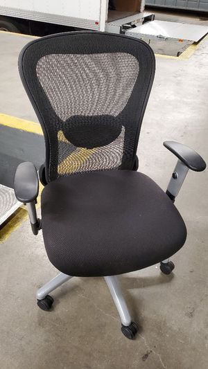 New chairs herman Miller aeron chair almost new for Sale in El Monte, CA