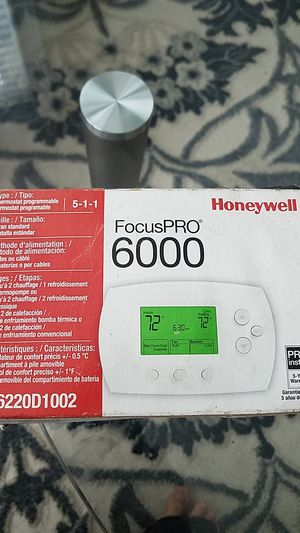 THERMOSTAT PROGRAMMABLE for Sale in Lexington, KY