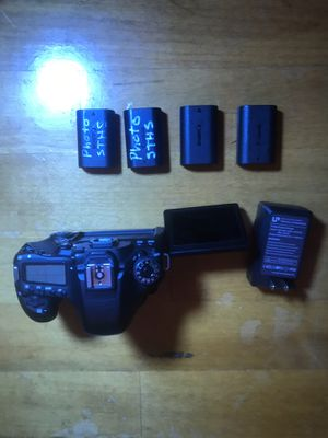 Canon EOS 80d digital SLR camera with 4 batteries, 3 straps and a bag for Sale in Boston, MA