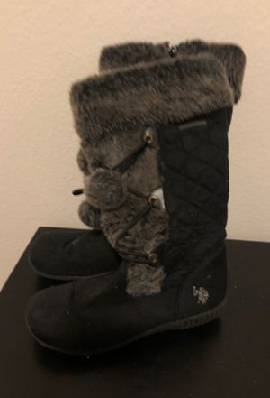 Women's snow boots for Sale in Mesa, AZ
