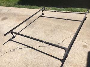 Queen metal bed frame for Sale in Fresno, CA