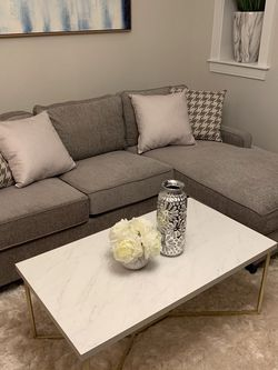 Grey Sectional Sofa With Reversible Chaise !! Brand New for Sale in Chicago,  IL
