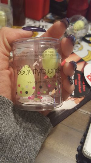 The original Beauty blender Mini for Sale in San Diego, CA