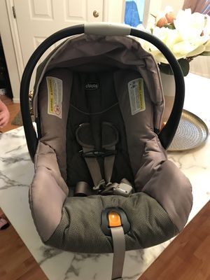 Keyfit 30 car seat with two bases for Sale in Grand Junction, CO