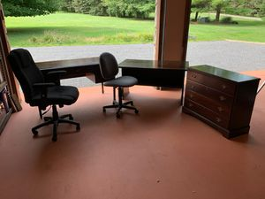 Office desks and chairs for Sale in Oakland, MD